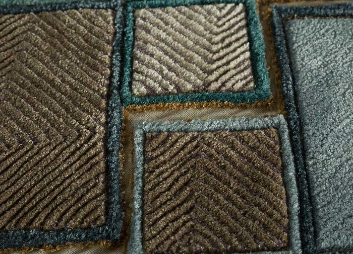 archetype blue wool and viscose hand tufted Rug - CloseUp