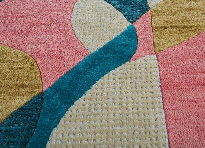 come around pink and purple wool and viscose hand tufted Rug - CloseUp