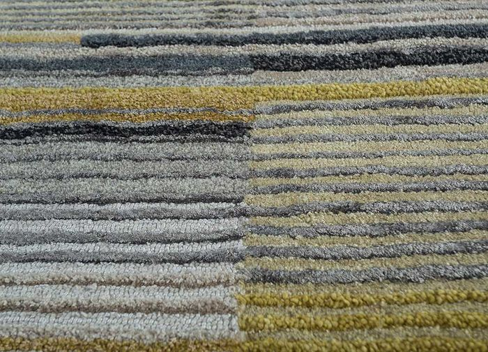 come around grey and black wool and viscose hand tufted Rug - CloseUp