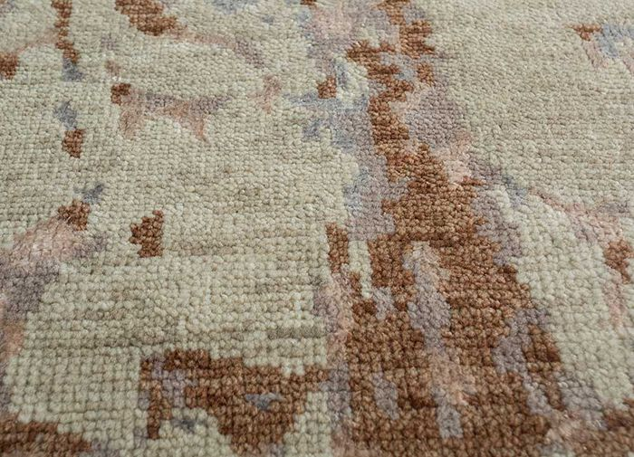 esme ivory wool and bamboo silk hand knotted Rug - CloseUp