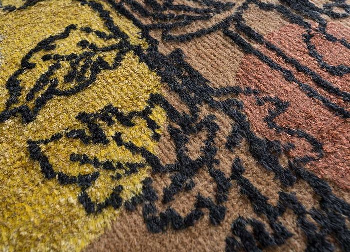 esme red and orange wool and bamboo silk hand knotted Rug - CloseUp