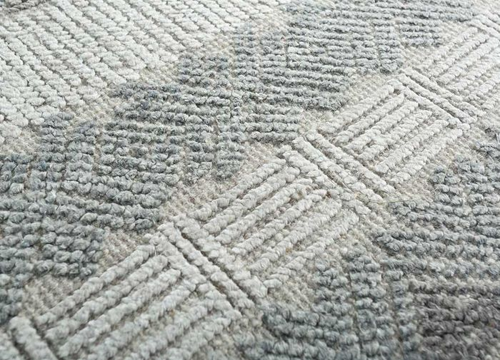revolution grey and black wool and bamboo silk hand knotted Rug - CloseUp