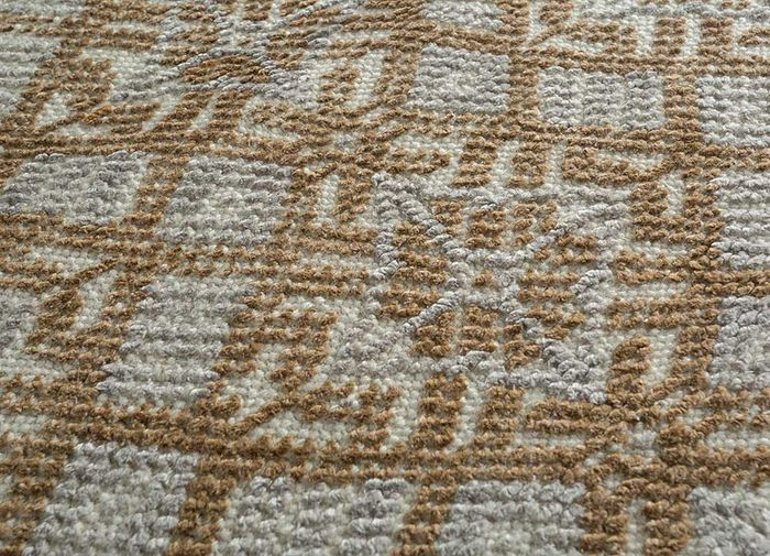 revolution ivory wool and bamboo silk hand knotted Rug - CloseUp