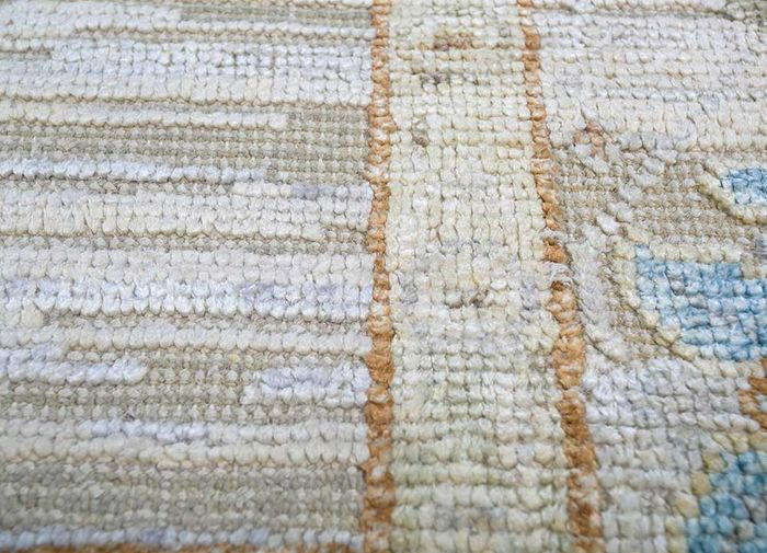 blithe ivory wool and silk hand knotted Rug - CloseUp