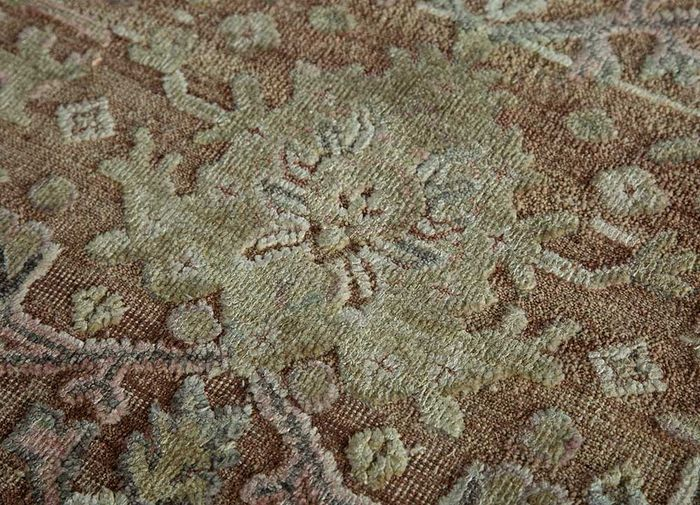 far east red and orange wool and silk hand knotted Rug - CloseUp