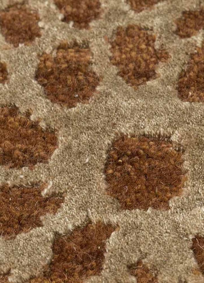tattvam beige and brown wool and bamboo silk hand knotted Rug - CloseUp