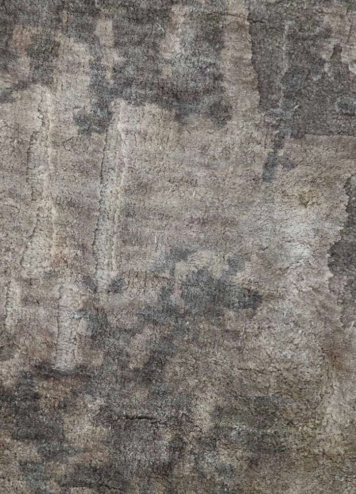 pansy grey and black wool and silk hand knotted Rug - CloseUp