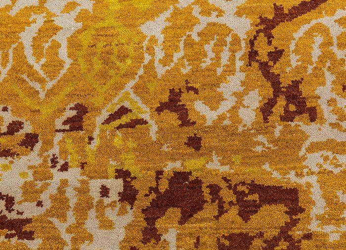 artisan originals gold wool hand knotted Rug - CloseUp