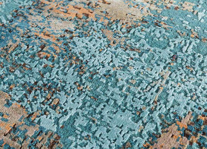 uvenuti blue wool and bamboo silk hand knotted Rug - CloseUp