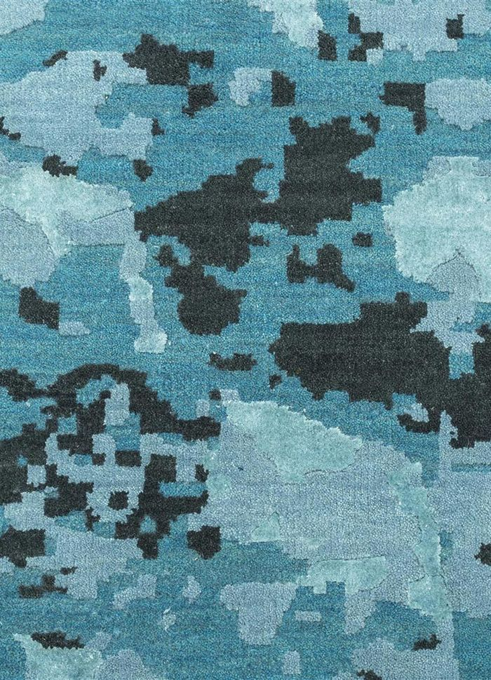 mezcla blue wool and bamboo silk hand knotted Rug - CloseUp