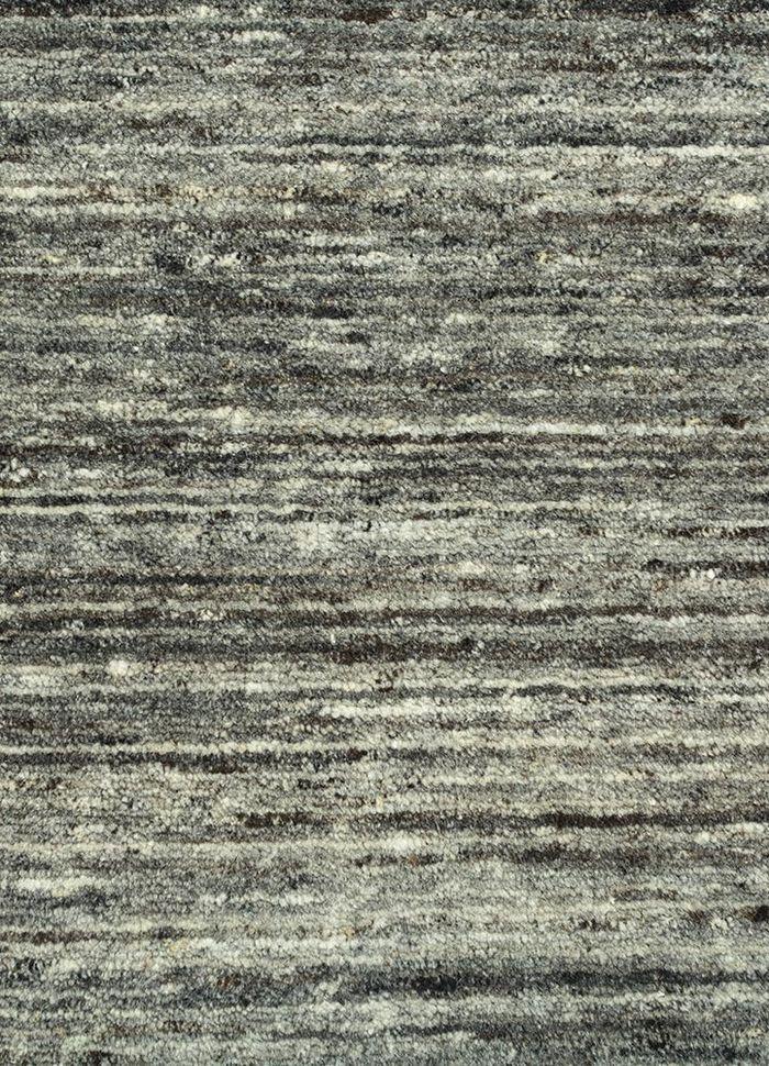 eron grey and black wool hand loom Rug - CloseUp