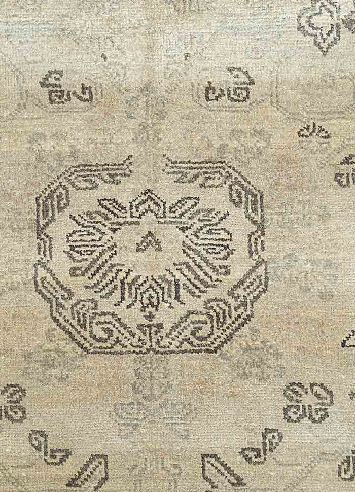 kashmir beige and brown silk hand knotted Rug - CloseUp