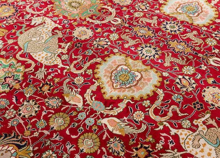 gulmarg red and orange silk hand knotted Rug - CloseUp