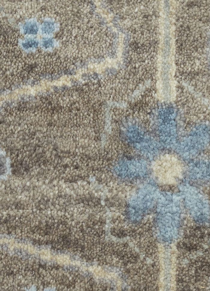 liberty grey and black wool hand knotted Rug - CloseUp