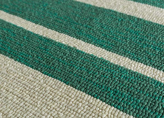 traverse green others hand tufted Rug - CloseUp