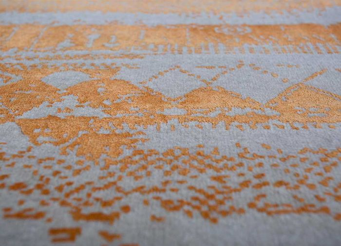 weave friction ivory wool and silk hand knotted Rug - CloseUp