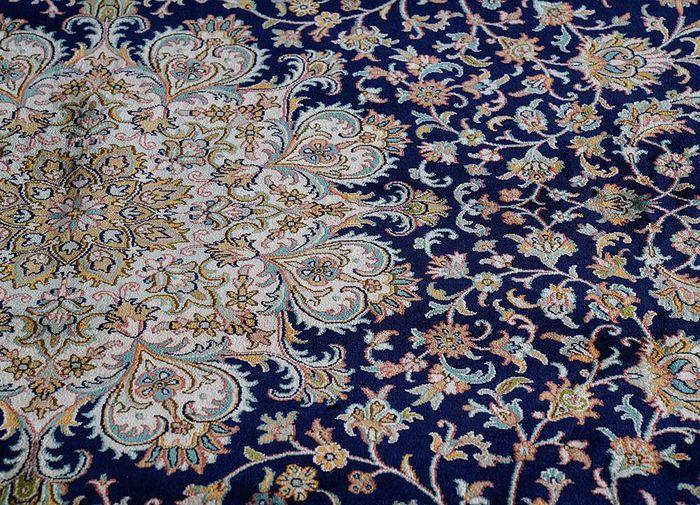 gulmarg blue silk hand knotted Rug - CloseUp