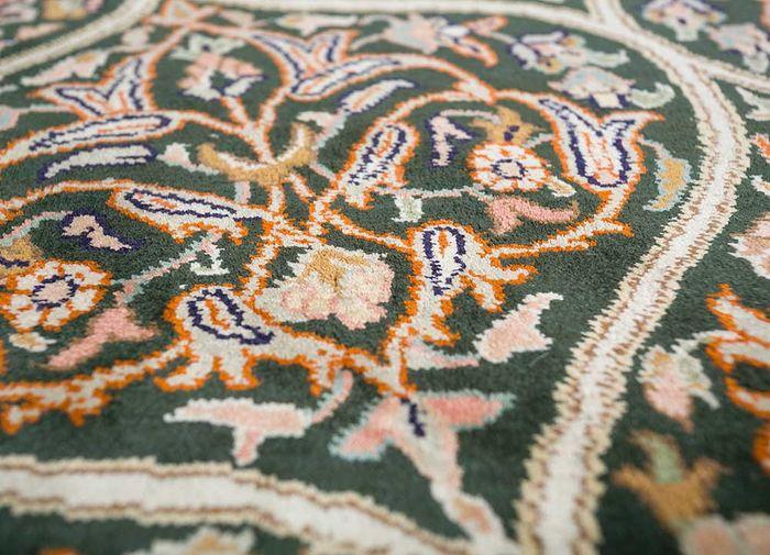 gulmarg green silk hand knotted Rug - CloseUp