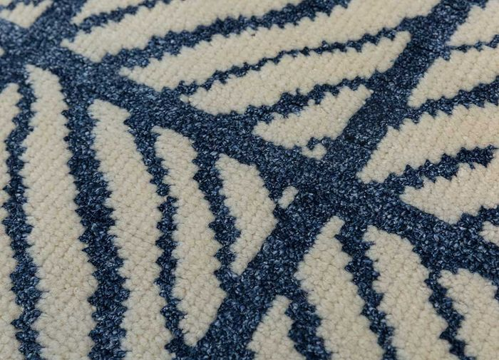 cleo ivory wool and bamboo silk hand knotted Rug - CloseUp