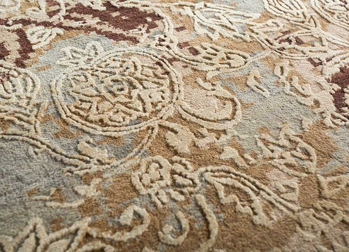 pansy beige and brown wool and bamboo silk hand knotted Rug - CloseUp