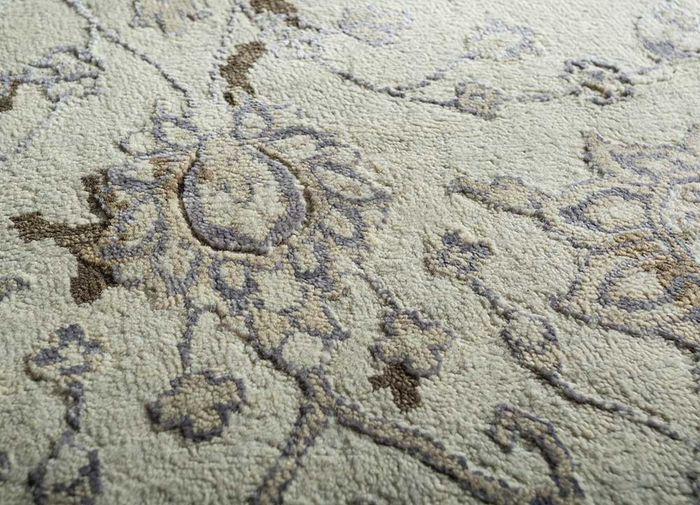 blithe ivory wool and bamboo silk hand knotted Rug - CloseUp