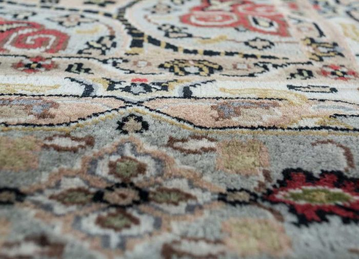 amani beige and brown wool hand knotted Rug - CloseUp