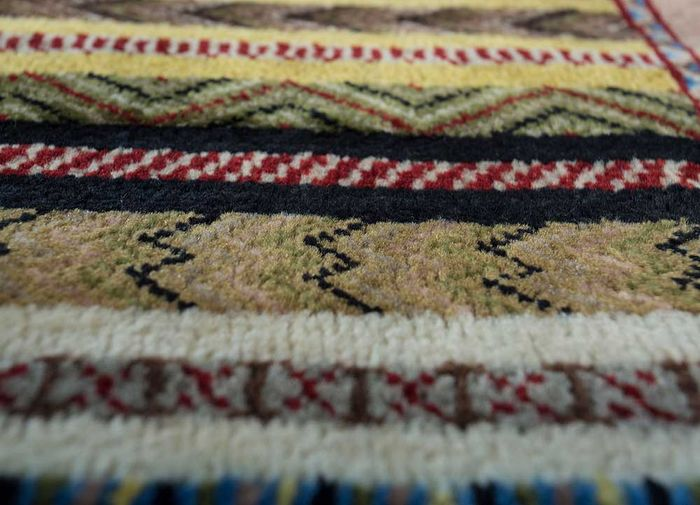 amani gold wool hand knotted Rug - CloseUp
