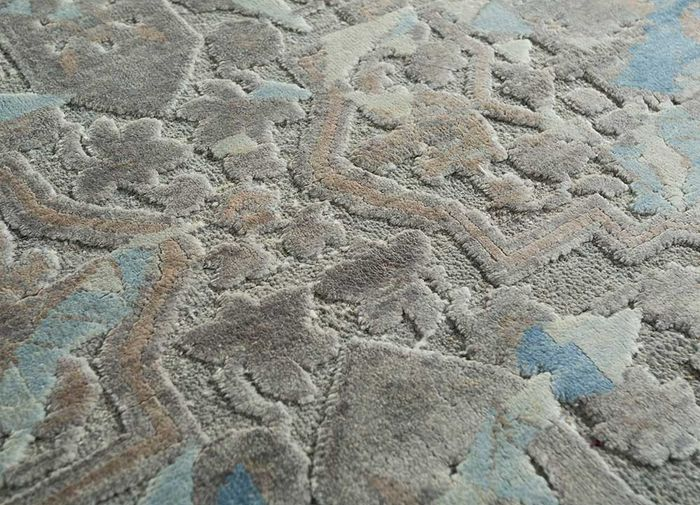 far east grey and black wool and silk hand knotted Rug - CloseUp
