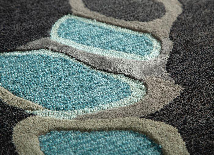 oscar grey and black wool and viscose hand tufted Rug - CloseUp