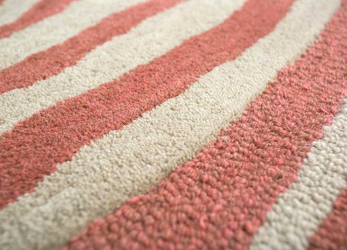 transcend red and orange wool hand tufted Rug - CloseUp