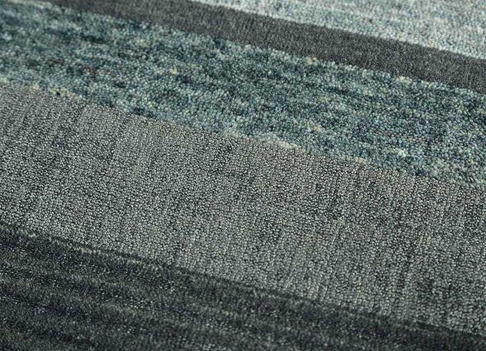 aprezo blue wool and bamboo silk hand loom Rug - CloseUp