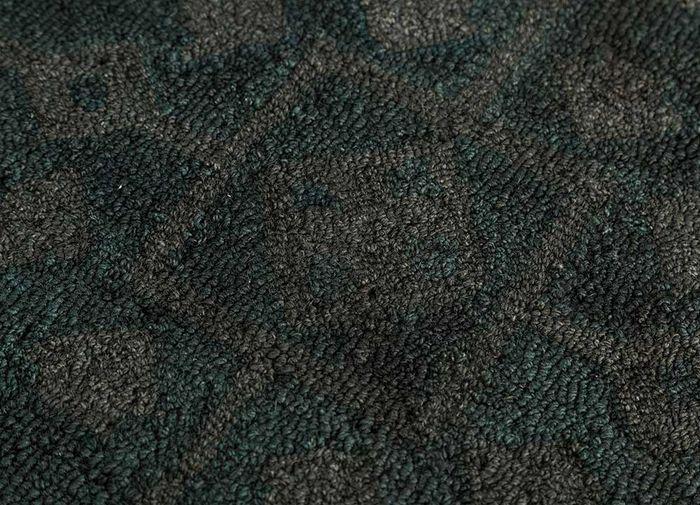 kilan grey and black wool hand tufted Rug - CloseUp