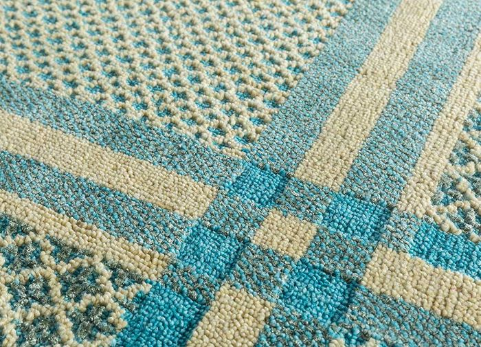 esme blue wool and bamboo silk hand knotted Rug - CloseUp
