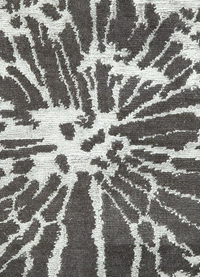 pansy grey and black wool and bamboo silk hand knotted Rug - CloseUp