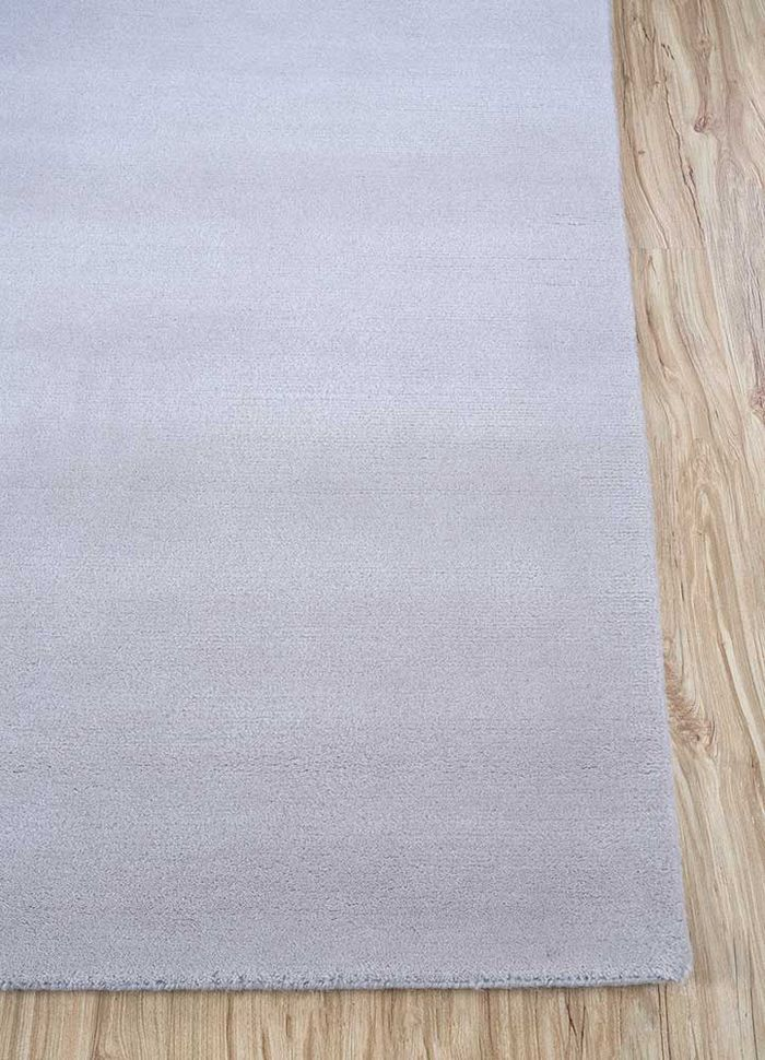 lucid ivory wool hand knotted Rug - Corner