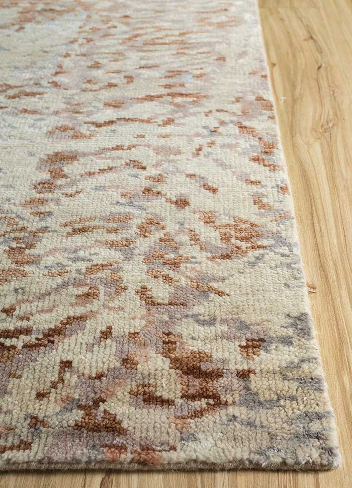 esme ivory wool and bamboo silk hand knotted Rug - Corner