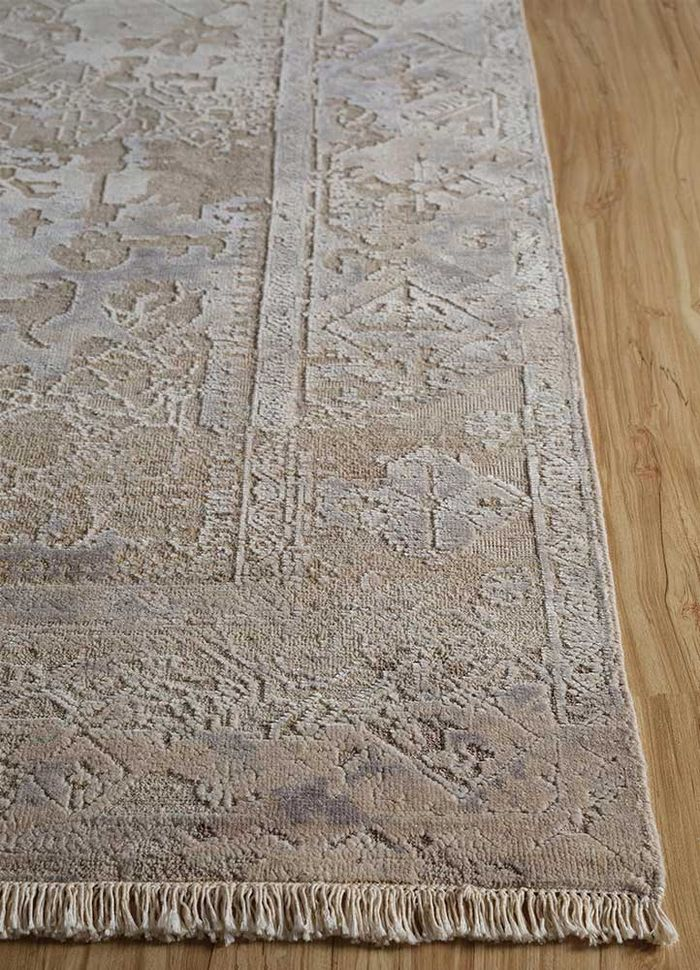 aprezo ivory wool and silk hand knotted Rug - Corner