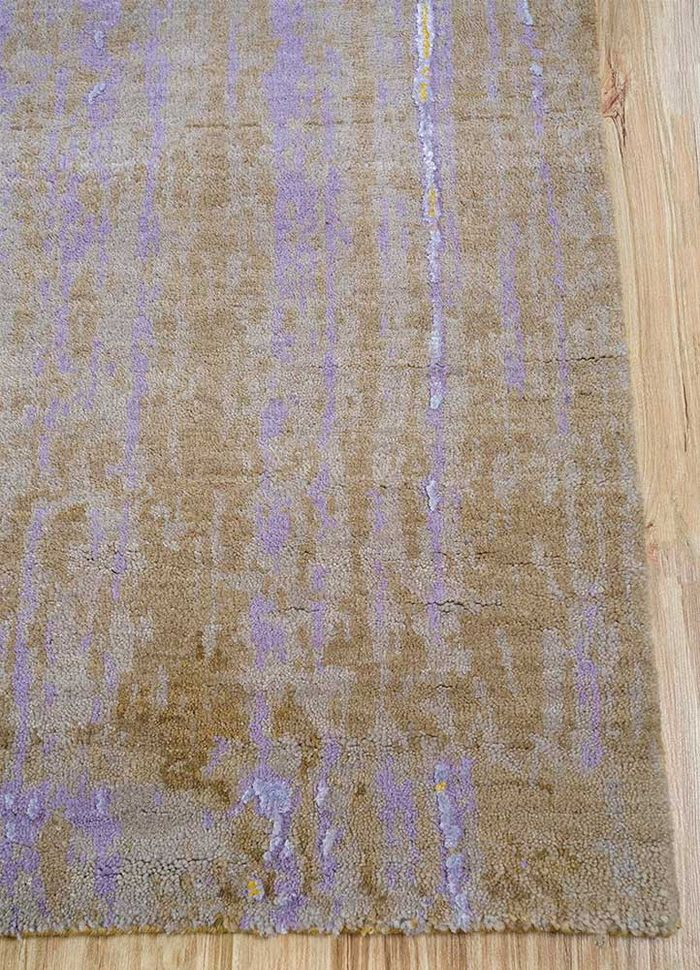 faulty by kavi gold wool and bamboo silk hand knotted Rug - Corner