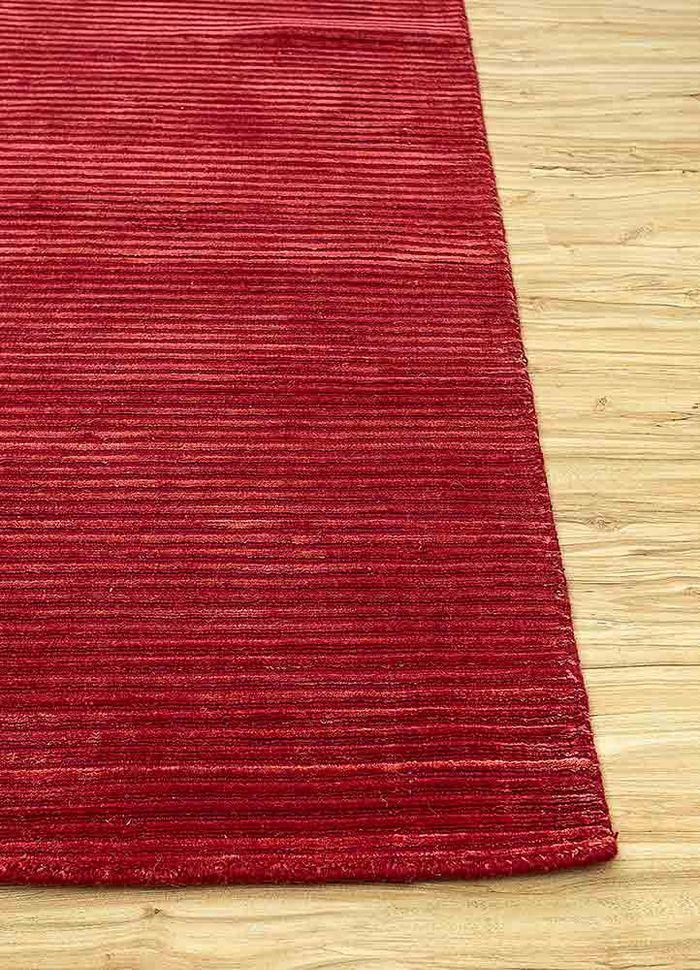 basis red and orange wool and viscose hand loom Rug - Corner