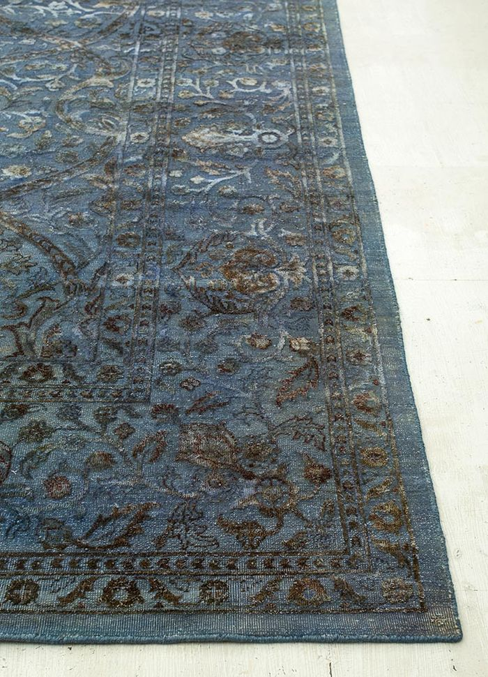 lacuna blue wool and silk hand knotted Rug - Corner