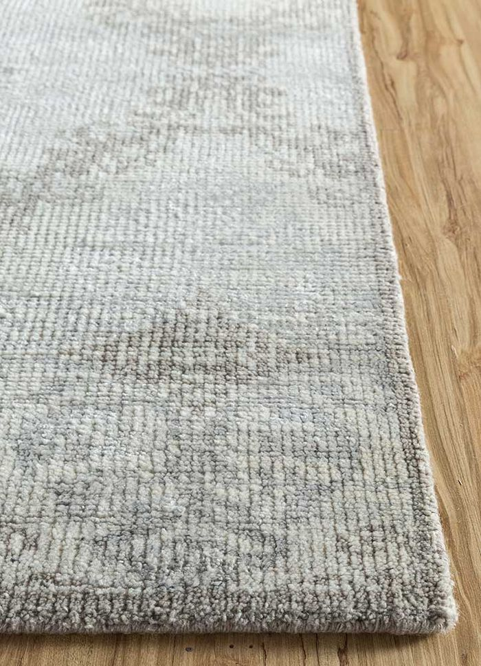 eden ivory wool and bamboo silk hand knotted Rug - Corner