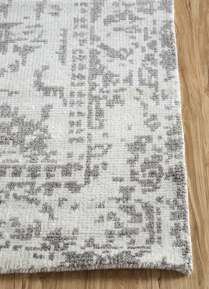 eden ivory wool and viscose hand knotted Rug - Corner