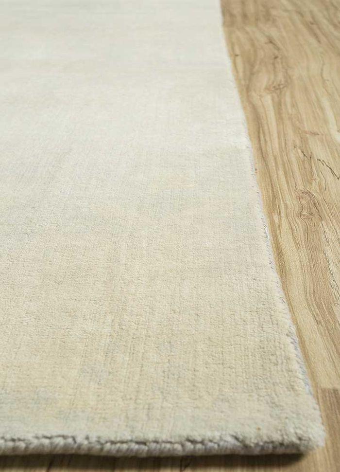 eron ivory wool hand loom Rug - Corner