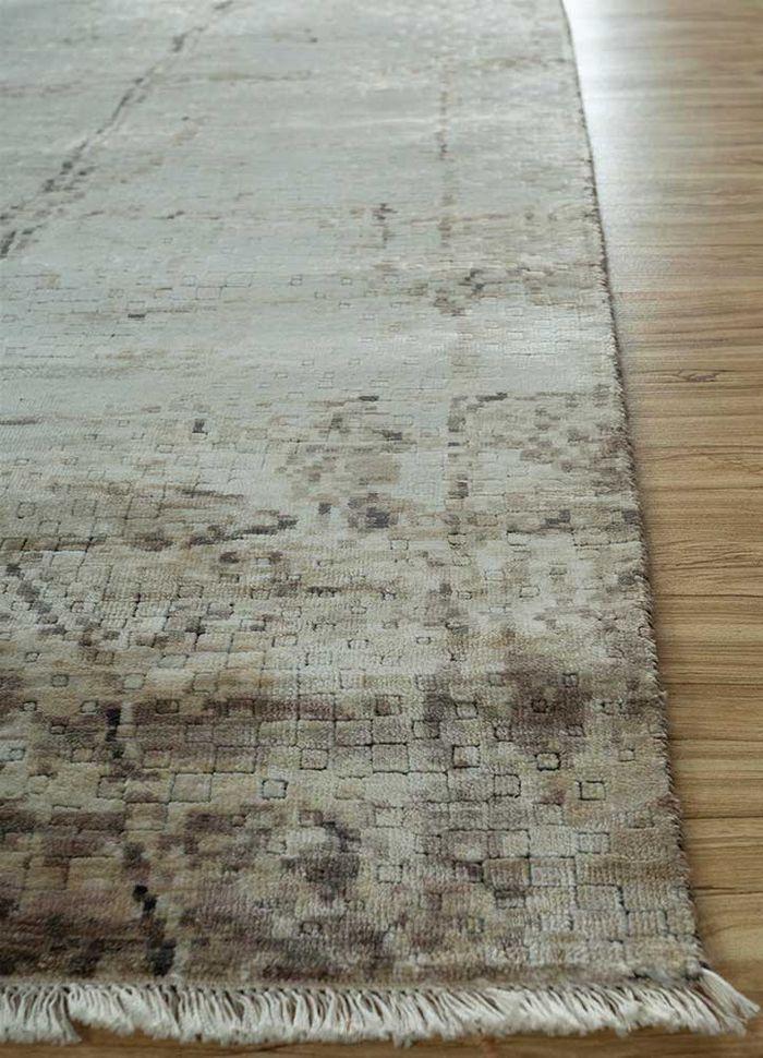 memoir ivory bamboo silk hand knotted Rug - Corner