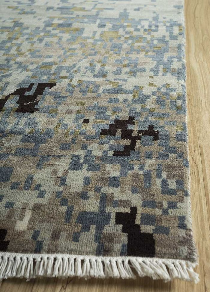 pansy blue wool and bamboo silk hand knotted Rug - Corner