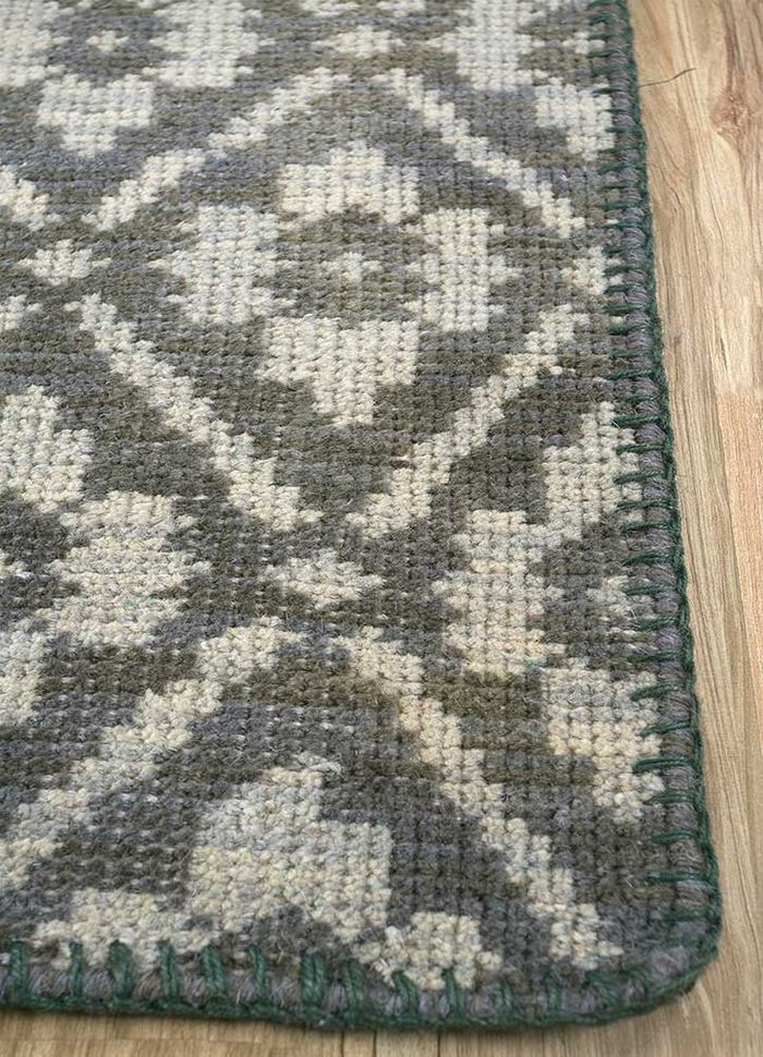 provenance green wool hand knotted Rug - Corner