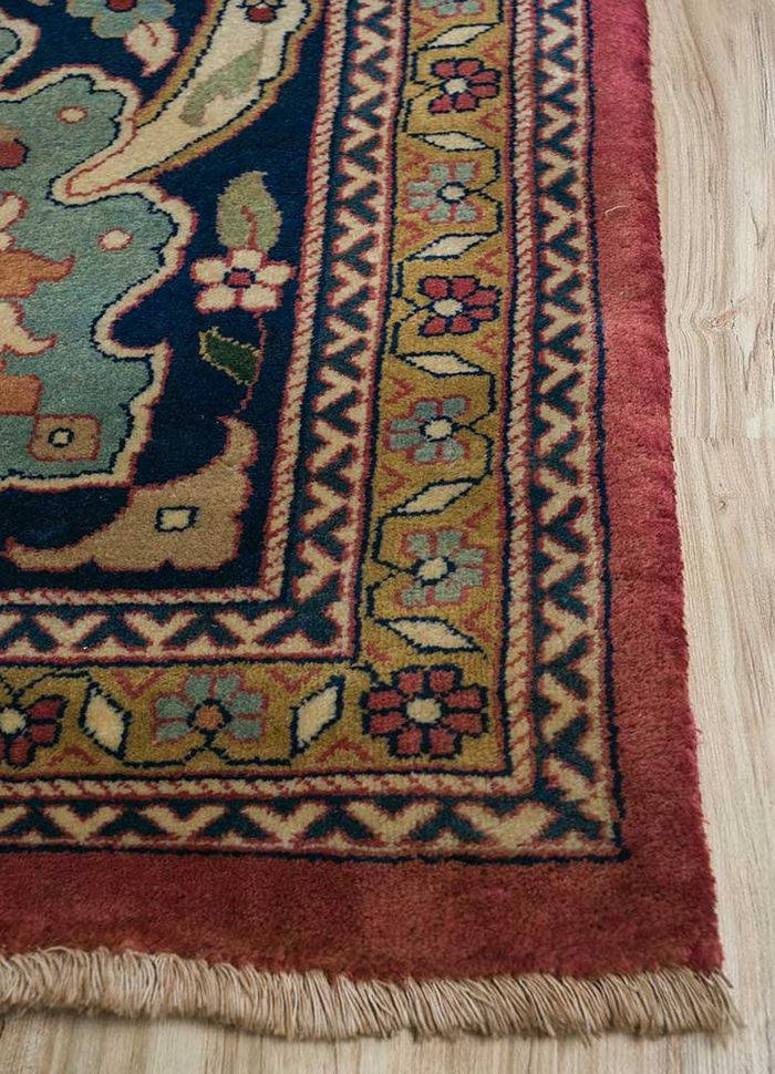 amani red and orange wool hand knotted Rug - Corner