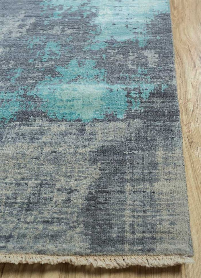 memoir grey and black wool and silk hand knotted Rug - Corner