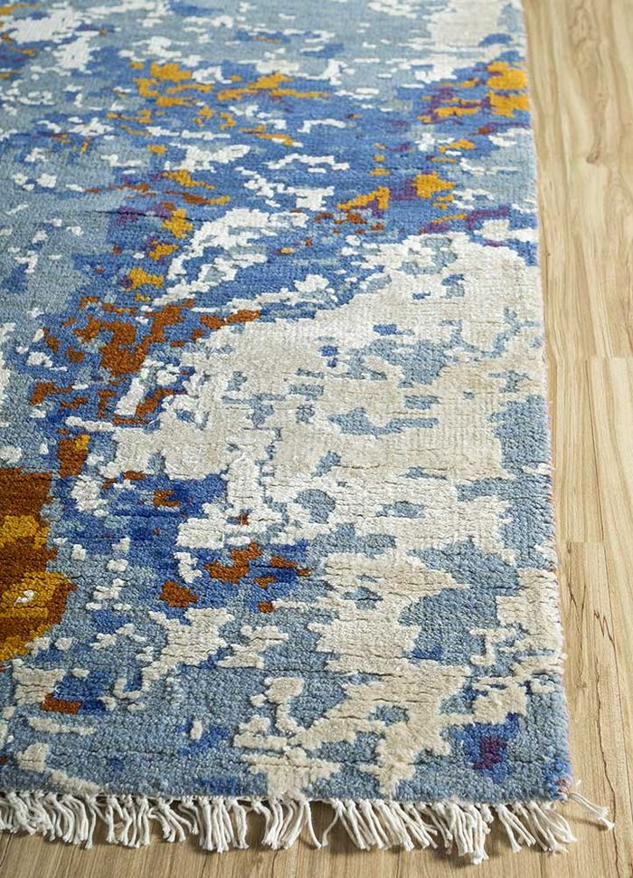 pansy blue wool and viscose hand knotted Rug - Corner