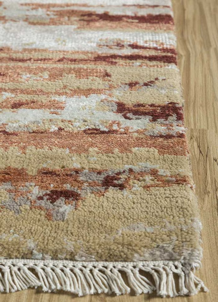 entropy gold wool and viscose hand knotted Rug - Corner